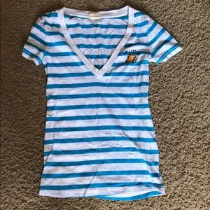 Hollister v neck T-shirt